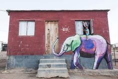Beautiful street art graffiti of a colourful elephant. 3d Street Art, Street Art Utopia, Amazing Street Art, Street Art Graffiti, Street Artists, Graffiti Artwork, Graffiti Artists, Urbane Kunst, South African Artists