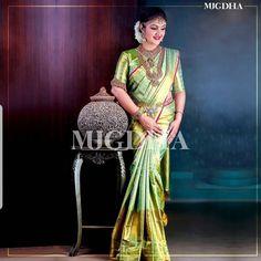 Sridevi Vijaykumar- The Queen of Kanjeevarams Shows Us How It's Done! Indian Bridal Sarees, Wedding Silk Saree, Indian Bridal Fashion, Indian Bridal Wear, Lehenga Designs Simple, Simple Sarees, Saree Blouse Designs, Indian Wedding Bride, South Indian Bride