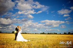 Google Image Result for http://www.peterkelk.com/wp-content/gallery/vaulty-manor-skillbeck/vaulty_manor_wedding_skillbeck_pk_0299.jpg