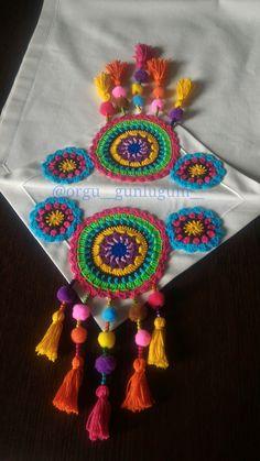 Gato Crochet, Crochet Carpet, Pink Party Dresses, Crochet Table Runner, Crochet For Beginners, Handmade Home Decor, Crochet Doilies, Pattern Making, Handicraft