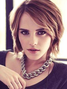 Emma Watson et ses cheveux courtes