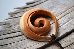 Hunting to find ideas regarding working with wood? http://www.woodesigner.net has these things!