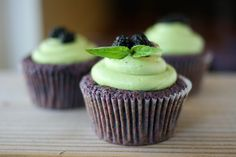 Mulberry Cupcakes & Matcha Cream Cheese Frosting