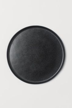 Large, round plate in glazed stoneware with a small rim. 2 cm, diameter at the top 26 cm. Kitchenware Shop, Face Home, Gift Card Shop, H & M Home, Large Plates, H&m Gifts, Music Gifts, Stoneware Mugs, Teller