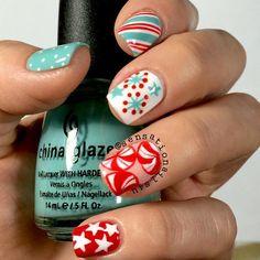 Christmas Retro Candy Cane nails