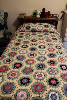 Ravelry: Project Gallery for Flower to Hexagon Blanket pattern by Jessie Rayot