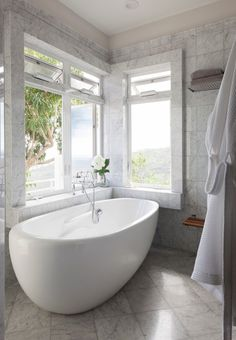 25 Tropical Bathroom Design Ideas - World Of Solitaire Contemporary Bathrooms, Modern Bathroom, Master Bathroom, Marble Bathrooms, Luxury Bathrooms, Builder Grade Kitchen, Tropical Bathroom, Budget Bathroom, Bathroom Ideas