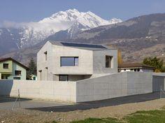 zichtbeton   kubusvorm   Zwitserland   Savioz Fabrizzi Architectes   Foto: Thomas Jantscher