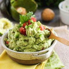 Quick and Easy Guacamole. So quick an easy to make guacamole is as delicious to eat as it is good for you. Ever thought of using it to garnish a burger or chicken? Paleo Recipes, Mexican Food Recipes, Real Food Recipes, Cooking Recipes, Easy Recipes, Banting Recipes, Amazing Recipes, Free Recipes, Chicken Recipes