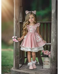 Best 12 Cute Scoop Neck Short Sleeve A Line Flower Girl Dresses With Lace Applique – SkillOfKing. Dresses Kids Girl, Little Dresses, Cute Dresses, Kids Outfits, Flower Girl Dresses, Baby Girl Fashion, Kids Fashion, Foto Baby, Sweet Dress