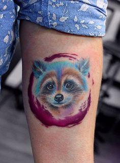 Anna Yershova watercolor raccoon tattoo Hair Tattoos, New Tattoos, Cool Tattoos, Tatoos, Watercolor Hummingbird, Watercolor Tattoo, Raccoon Tattoo, Baby Raccoon, Henna Body Art