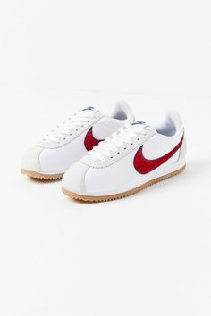 Nike Classic Cortez, Nike Swoosh Logo, Herringbone Pattern, Your Shoes, Carrie, Designer Shoes, Urban Outfitters, Christian Louboutin, Street Wear