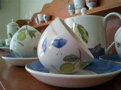 Sarah's Garden..Wedgwood Sarah's Garden, Chocolate Pots, Wedgwood, Teapots, Tea Time, Tea Cups, China, Coffee, Tableware
