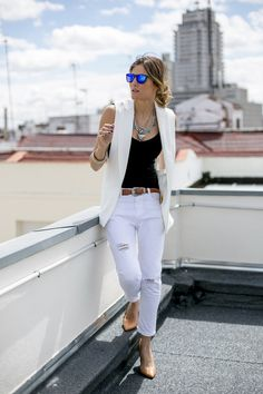 chaleco blanco outfits - Buscar con Google