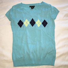Cute sweater argyle top Cute top some pilling New York & Company Tops Tank Tops