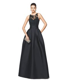 NALLIBE - Vestido de festa preto com corte evasê. Pronovias 2015 | Pronovias modelagem perfeita