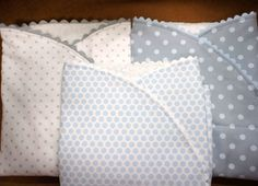 El proceso de elaboración de un arrullo de bebé es algo sencillo pero muy útil cuando tenemos que hacer un regalo a un recien nacido.