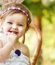 .Nunca ninguém conseguirá ir ao fundo de um riso de criança.- Victor Hugo-