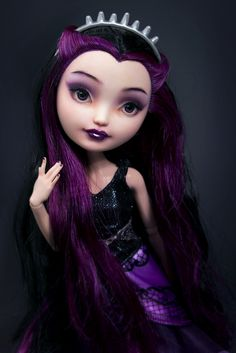 Ever After High - Raven Queen repainted by Szklanooka (via Flickr)