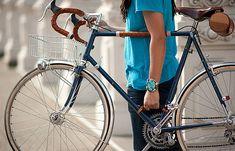 自転車の持ち運びを楽にする「Bicycle Frame Handle」 - えん乗り