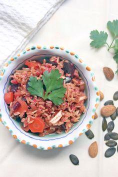 Riso basmati integrale con verdure al curry.  Basmati rice with vegetables.  Recipe here: http://dilycious.com/ricette/riso-basmati-integrale-con-verdure-al-curry/