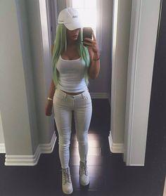 """4,282 Me gusta, 12 comentarios - Kylie Jenner (@kylie.curves) en Instagram: """"I'm in love 'w this mirror selfie #kyliejenner"""""""