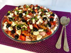 Sałatka neapolitańska z wędzonym kurczakiem - Blog z apetytem Fruit Salad, Cobb Salad, Mozzarella, Pasta Salad, Ethnic Recipes, Blog, Crab Pasta Salad, Fruit Salads, Blogging