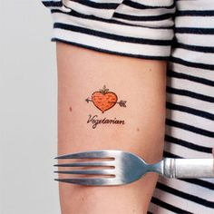 Coole tattoos!!!  http://tattly.com/collections/all/food#