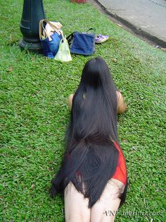 Filed under long hair by enricomucho Long Silky Hair, Long Black Hair, Really Long Hair, Super Long Hair, Shiny Hair, Dark Hair, Pretty Hairstyles, Straight Hairstyles, Long Indian Hair