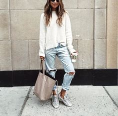 Thought this was so cute yet casual. Maybe some of you guys could try a similar outfit to this one!  Have a lovely day