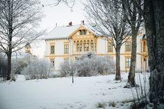 Beautiful Melgaarden, a norwegian farm house / Norsk hus i sveitser stil