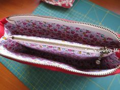 Sam's sewing life: tutorial on how to sew a double zipper purse: bow compartment Clutch