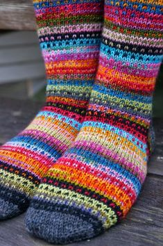 Ravelry: JennyF's Music to my eyes – Knitting Socks Animal Knitting Patterns, Fair Isle Knitting Patterns, Knitting Designs, Knitting Projects, Wool Socks, Knitting Socks, Knitting Stitches, Hand Knitting, Colorful Socks