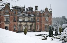 Keele Hall - Keele Hall is a mansion house at Keele, Staffordshire, England. Now standing on the campus of Keele University and serving as the university conference centre. It is a Grade II listed building. Beautiful Architecture, Beautiful Buildings, Beautiful Homes, Beautiful Places, French Architecture, Architecture Design, English Manor Houses, English House, English Castles