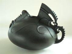 Te Taniwha Mangu by Manos Nathan Pottery Teapots, Ceramic Teapots, Monkey Mind, Maori Designs, Maori Art, Tea Bowls, Clay Art, Art Forms, Sculpture Art
