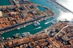 Vue du canal à Sète