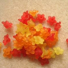 SALE 50 x Small Lucite Bellflowers: Fire Mix £1.18