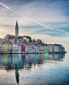 Rovinj, Croatia Een hele mooie stad,met een abdij aan de bovenkant.