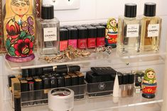 Jen Brill's make up organization #intothegloss