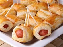 Feuilletés apéritif (allumettes au fromage, feuilletés à la saucisse) - Tea Recipes, Snack Recipes, Cooking Recipes, Fingers Food, Party Snacks, Food Inspiration, Appetizer Recipes, Love Food, Kids Meals