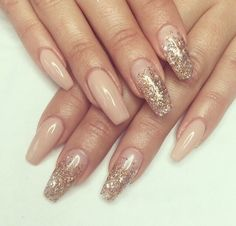 In look for some nail designs and ideas for your nails? Listed here is our list of 27 must-try coffin acrylic nails for stylish women. Beige Nails, Gold Nails, Gold Acrylic Nails, Glitter Nails, Black And Nude Nails, Gorgeous Nails, Pretty Nails, Ongles Beiges, Hair And Nails