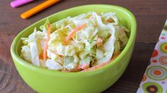 Ľahký kapustový šalát Coleslaw, ktorý chutí ako z KFC! Lchf, Ginger Salad Dressings, Low Carb High Fat, Gourmet Recipes, Cooking Recipes, Kfc Coleslaw, Unique Recipes, Ethnic Recipes, Quick Appetizers