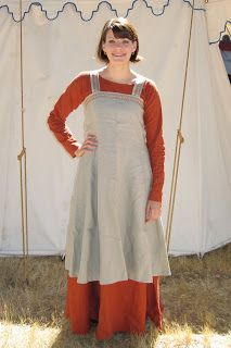 CONVIVIAL CRAFTER: New Viking Dresses- a diary