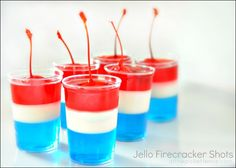 These Jello Firecracker Shots are exactly what your Party Patriots want!  (non-alcoholic or otherwise)