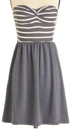 Cute #striped dress in #grey http://rstyle.me/n/e3v7qpdpe