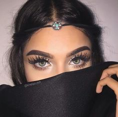 Omg I WISH ugh even her eyes themselves are beautiful (the color)