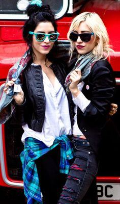 Lisa and Jessica Origliasso Dark Fashion, Punk Rock, Veronica, Womens Fashion, Band, Music, Style, Icons, Musica