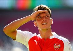 Mesut Özil's game by numbers vs. Everton:  90% pass accuracy 5 chances created 4 crosses 1 assist  Class above.