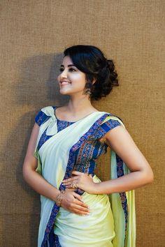 South Indian actress Anupama Parameswaran in saree photo gallery. Anupama Parameswaran in saree picture, image, wallpaper. Beautiful Girl Photo, Beautiful Girl Indian, Most Beautiful Indian Actress, Beautiful Saree, Beautiful Models, Beautiful Flowers, Saree Poses, Anupama Parameswaran, Blue Saree