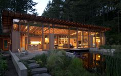 Located in Oregon, and designed by award winning architecture studio Cutler Anderson, the wooden Newberg Residence is a spectacular single-family square foot dwelling that was placed as a bridge across a beautiful pond. Residential Architecture, Interior Architecture, Interior Design, Modern Wooden House, Modern Cottage, Glass Cabin, Glass House, Passive House, Wooden Cabins